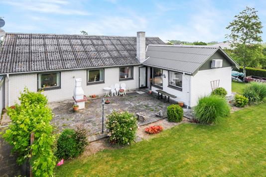 Villa på Grevevænget i Harpelunde - Ejendommen