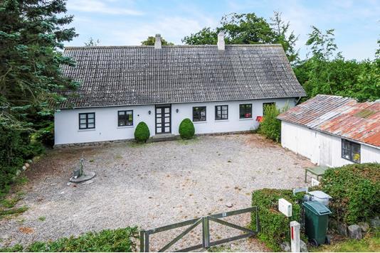 Villa på Rødbyvej i Søllested - Ejendommen