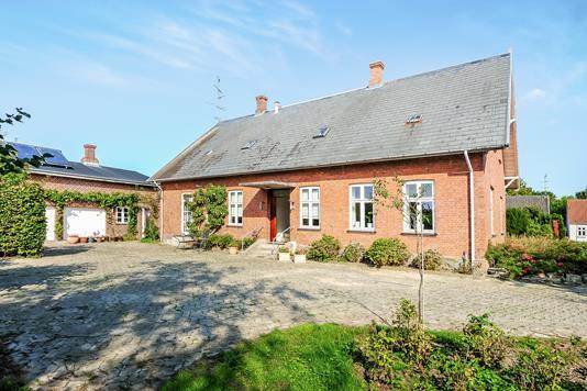 Villa på Hovedgaden i Horslunde - Ejendom 1