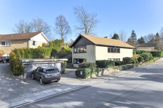 Villa på Arnakvej i Højbjerg - Ejendommen