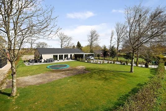 Villa på Hvidbjergvej i Trige - Have