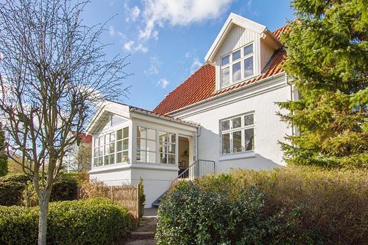 Villa på Bækkelundsvej i Risskov - Ejendommen
