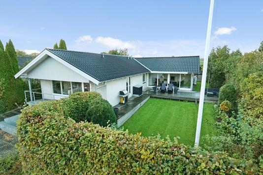 Villa på Edderfuglevej i Skødstrup - Ejendommen