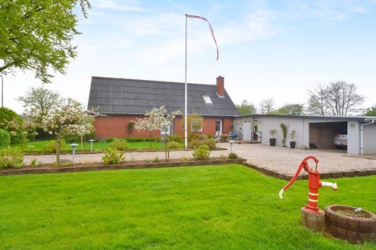 Villa på Padborgvej i Padborg - Ejendommen