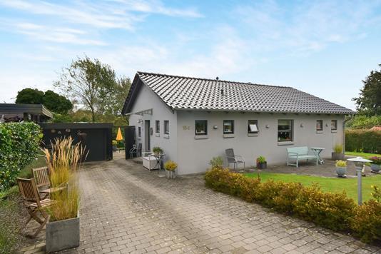 Villa på Bakkesvinget i Kruså - Ejendommen
