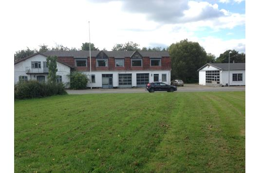 Villa på Hærvejen i Padborg - Set fra vejen