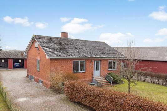 Villa på Bajstrup Bygade i Tinglev - Hus