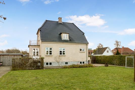 Villa på Poppelvang i Kastrup - Ejendom 1