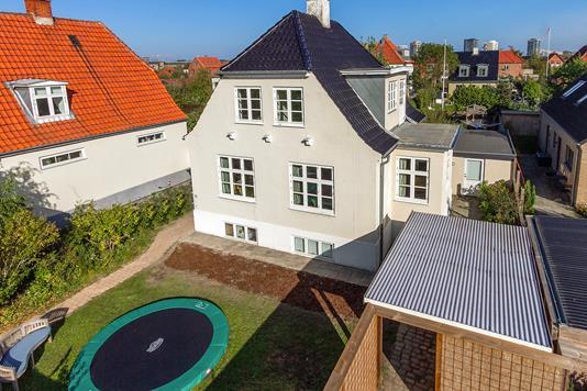 Villa på Backersvej i København S - Set fra haven