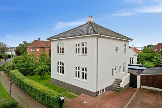 Villa på Herluf Trolles Vej i Svendborg - Set fra vejen