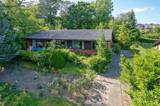 Villa på Præstevænget i Svendborg - Set fra vejen
