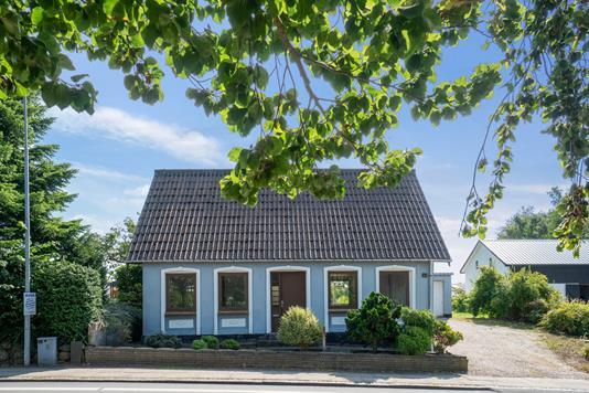 Villa på Tvedvej i Svendborg - Set fra vejen