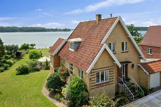 Villa på Myrehøjvej i Svendborg - Set fra vejen