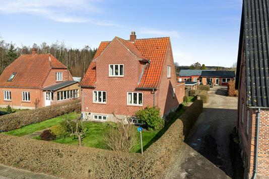 Villa på Havnevej i Hesselager - Set fra vejen