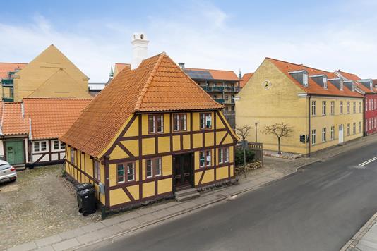 Ejerlejlighed på Kullinggade i Svendborg - Set fra vejen
