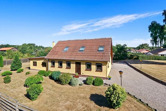 Villa på Sterrebyvej i Vester Skerninge - Ejendommen