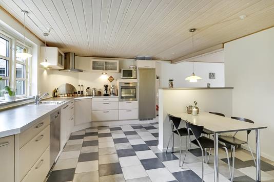 Villa på Stationsvej i Stenstrup - Køkken