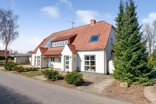 Villa på Hedevej i Stenstrup - Ejendommen