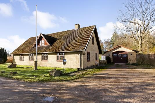 Villa på Hundstrupvej i Stenstrup - Ejendommen