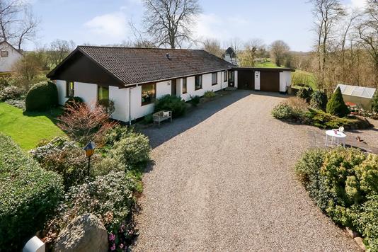 Villa på Sønderballevej i Gudbjerg Sydfyn - Ejendommen