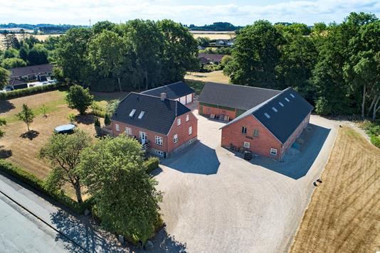 Villa på Søgårdsvej i Vester Skerninge - Luftfoto