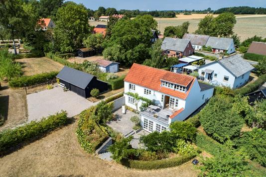 Villa på Fåborgvej i Vester Skerninge - Luftfoto