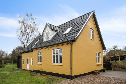 Villa på Skårup Vestergade i Skårup Fyn - Set fra vejen