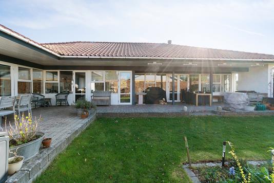 Villa på P A Wedels Vej i Skårup Fyn - Set fra haven