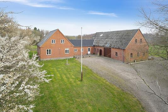 Villa på Hedegyden i Gudbjerg Sydfyn - Set fra vejen