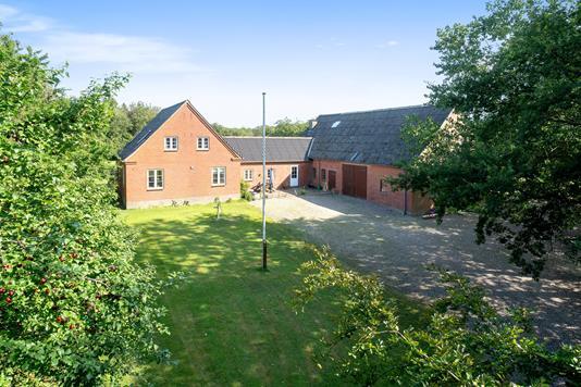 Villa på Hedegyden i Gudbjerg Sydfyn - Set fra haven