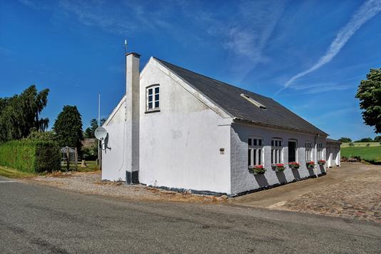 Villa på Stubshovedvej i Gudme - Set fra vejen
