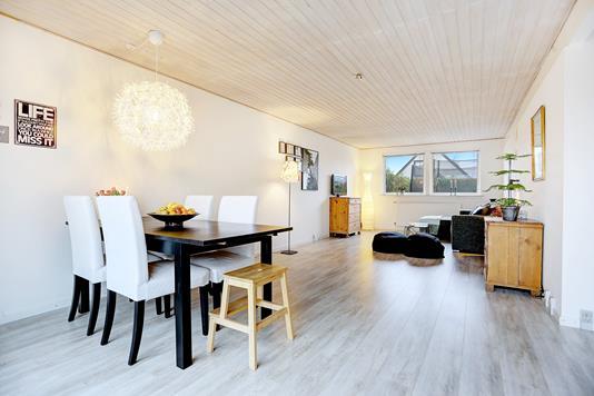 Villa på Pibergårdsvej i Jyllinge - Stue
