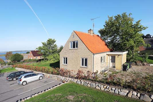 Villa på Kirkestræde i Jyllinge - Ejendommen