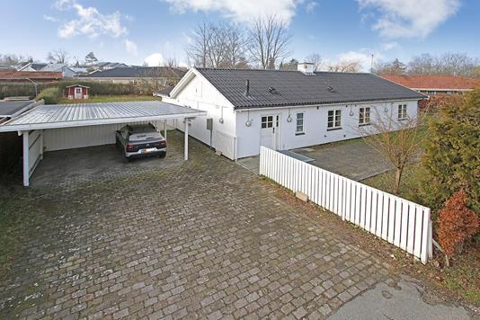Villa på Osvej Vest i Jyllinge - Ejendommen