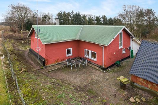 Villa på Elbjergvej i Nørager - Ejendommen