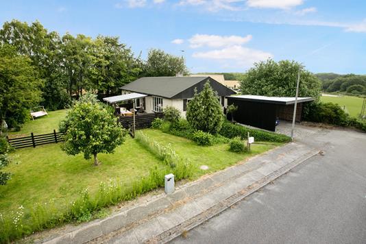 Villa på Sverigesvej i Hobro - Ejendommen