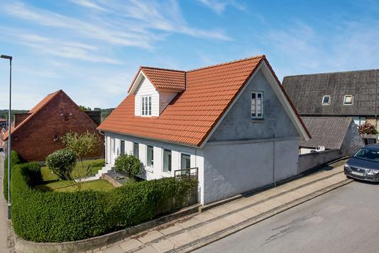 Villa på Frihedsvej i Hobro - Ejendommen