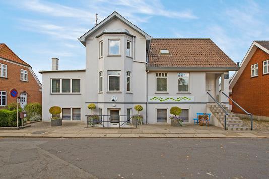 Villa på Vestergade i Nørager - Ejendommen