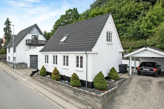 Villa på Strandvej i Hobro - Ejendommen