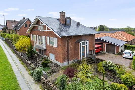 Villa på Randersvej i Hobro - Ejendommen