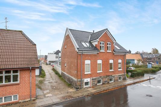 Villa på Sønder Alle i Hobro - Ejendommen