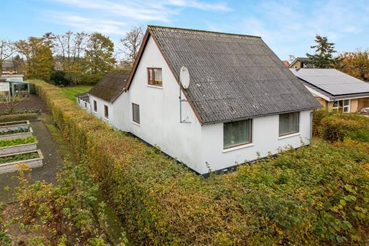 Villa på Nyvej i Nørager - Ejendommen