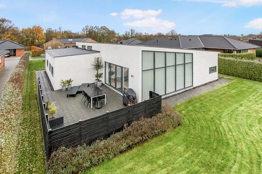 Villa på Hyldevej i Hobro - Ejendommen
