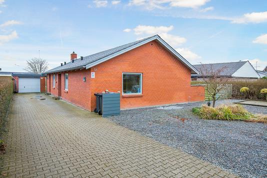 Villa på Sallingvej i Hobro - Ejendommen
