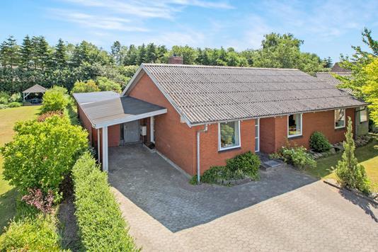 Villa på Karlskrogen i Hobro - Ejendommen