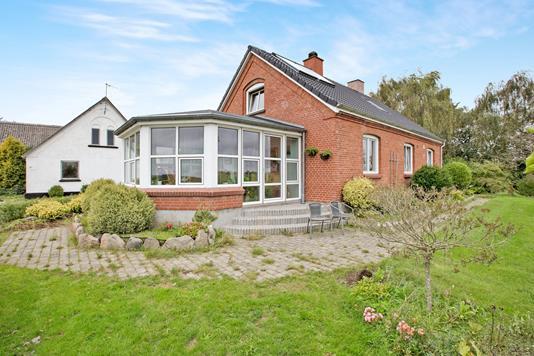 Villa på Egebakkevej i Arden - Ejendommen