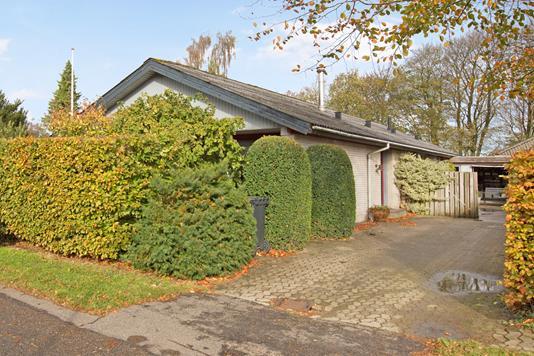 Villa på Rønnebærvej i Hobro - Ejendommen