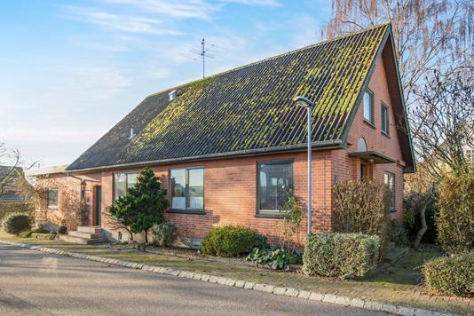 Villa på Vestermarksvej i Nørager - Ejendommen