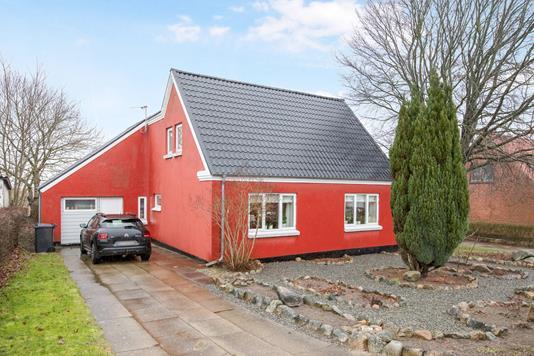 Villa på Rostrup Byvej i Arden - Ejendommen