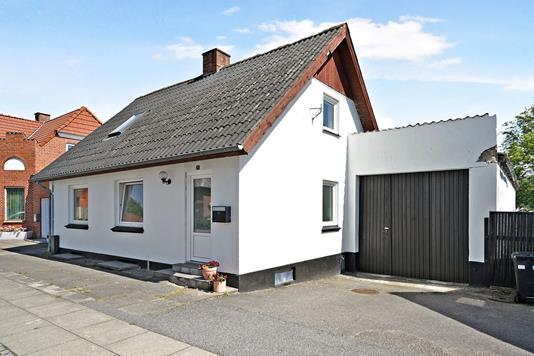 Villa på Mejlbyvej i Nørager - Ejendommen